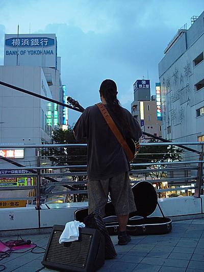 ギターの練習中