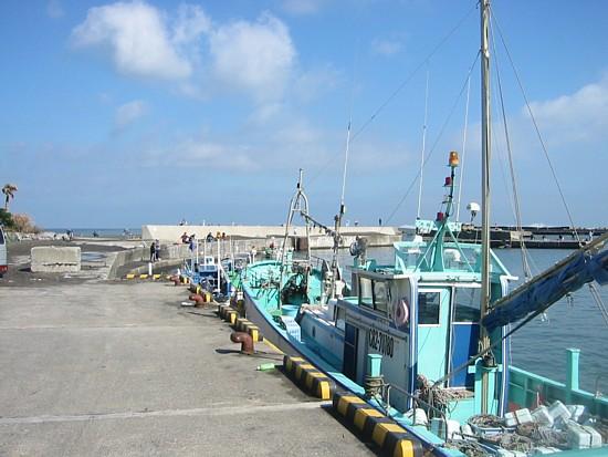 太東漁港の左側.jpg