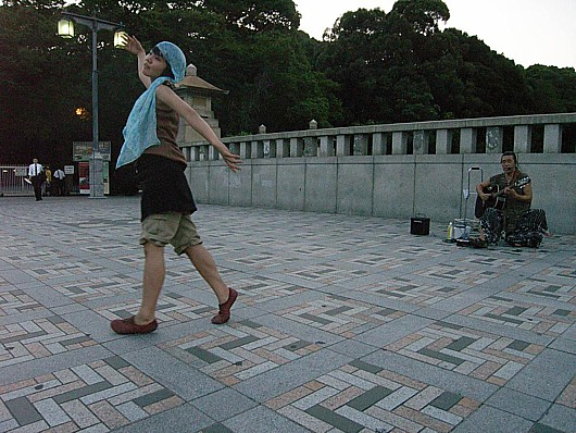 即興ダンス